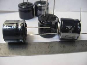 Lot de 10 condensateurs chimique 2200µF 10V 2200MF 2200uF