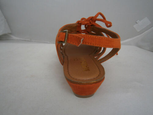 MADELINE SUAVE 5.5 6 ORANGE SANDALS STRAPPY OPEN TOE ANKLE BUCKLE STRAP LACE