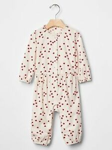 GAP Baby / Toddler Girl Size 18-24 Months Ivory / Red Heart One-Piece Romper