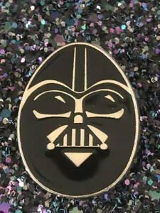 Disney-TRADING-PINS-Darth-Vader-STAR-WARS-Galaxy-Edge-DISNEYLAND-world