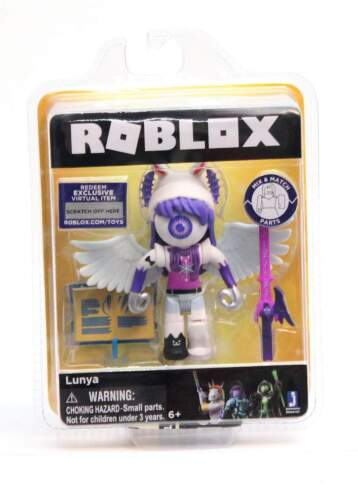 NEW Roblox Celebrity Lunya Figure w// Virtual Game Code /& Accessories