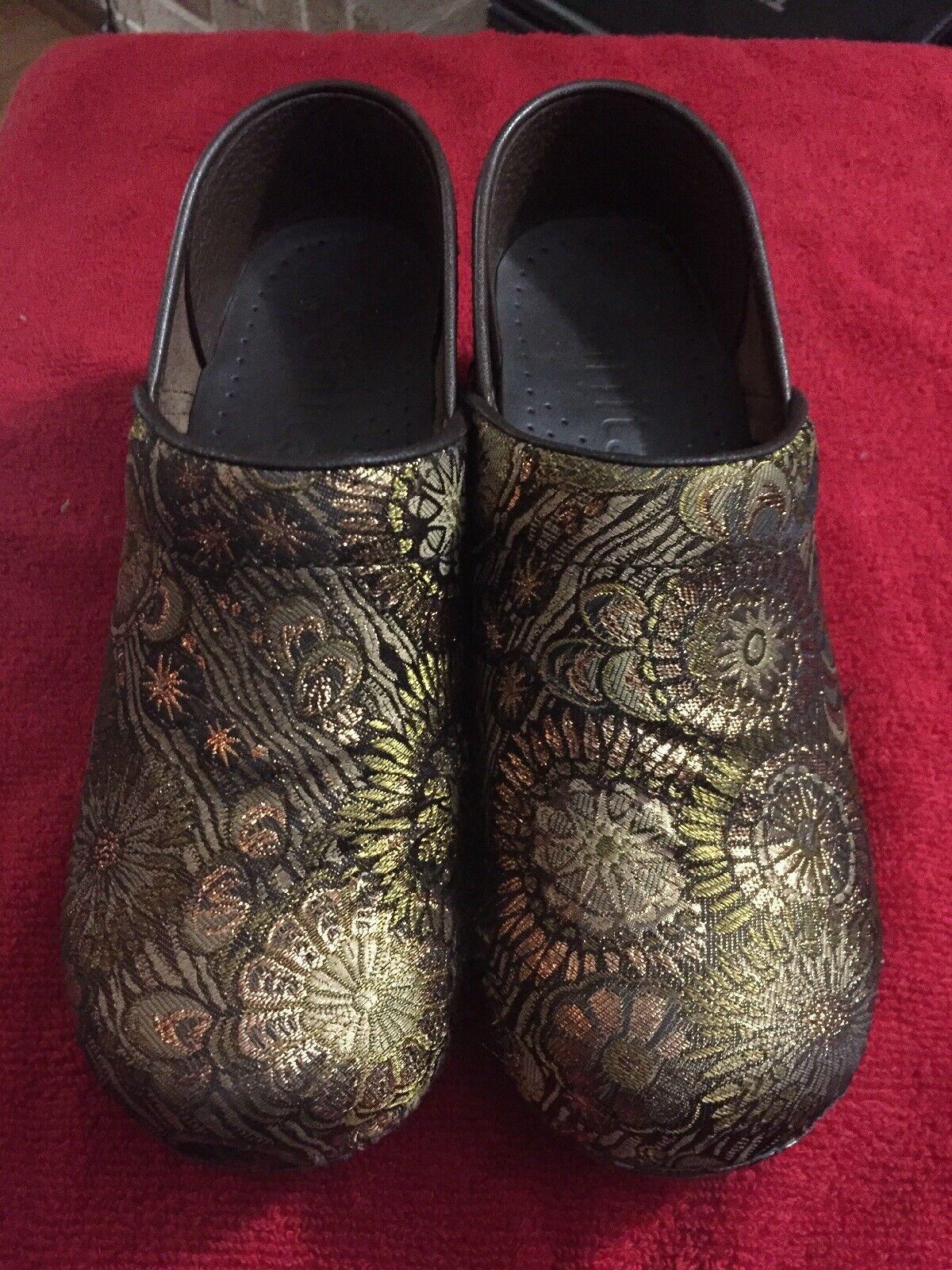 Sanita Womens Floral Patterned Brown 37 Eur Sz 6 US Stapled Clogs Comfort Shoes