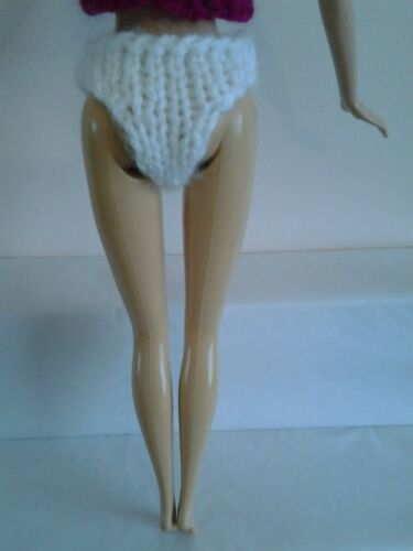 HAND Knitted Barbie//Sindy doll Slip//Slip//Pantaloni.