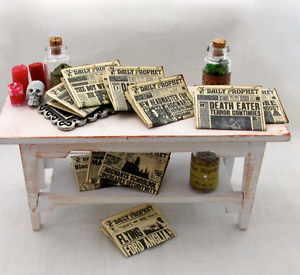 2-DAILY-PROPHET-NEWSPAPERS-Miniature-Dollhouse-1-12-Scale-Potter-Magic-Wizard