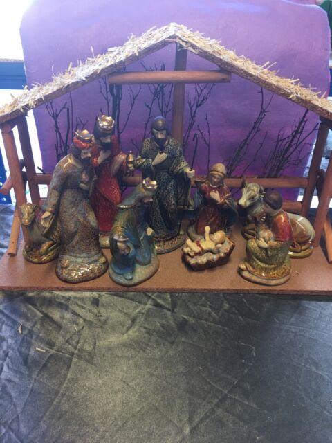 Traditional Style Ceramic Christmas Nativity Set With Stable Gisela Graham