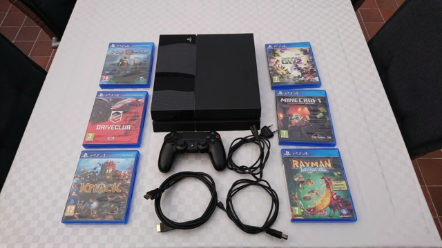 Playstation 4, CUH-1116A, God, 500 GB,  med en controller,…