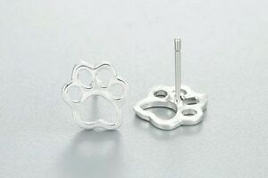 Lovely-Pair-Of-Silver-Tone-paw-print-stud-Earrings-In-Organza-Gift-Bag