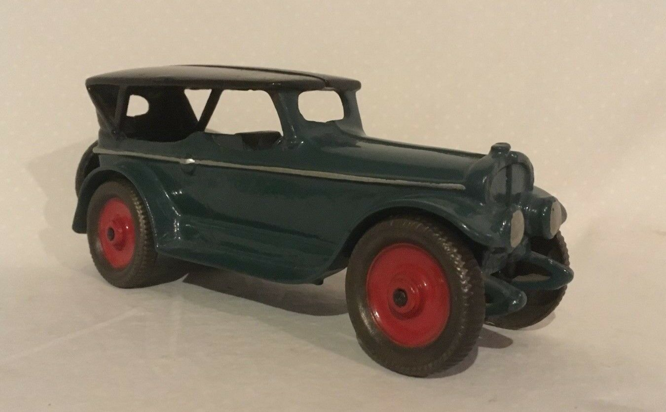 AC William Lincoln Touring Car LARGE SIZE Cast Iron Toy 9 s long