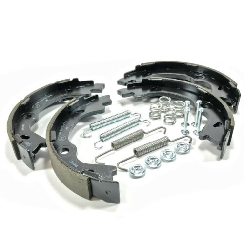 HYUNDAI IX35 2010-/> FWD 170mm SFK0038B HANDBRAKE SHOES /& SHOE FITTING KIT FITS