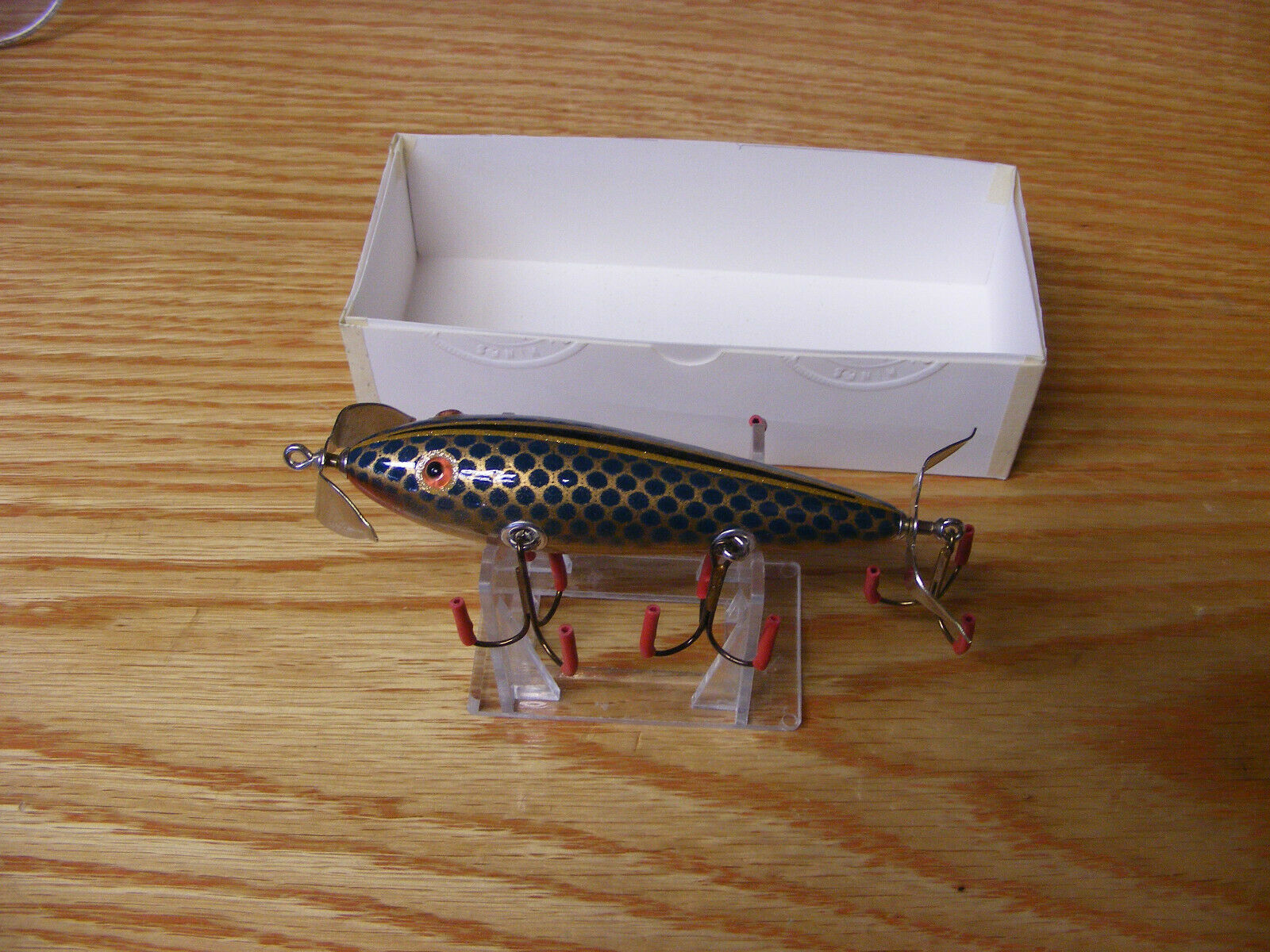C Hines Heddon Style 150 Minnow in gold with Green Scales color