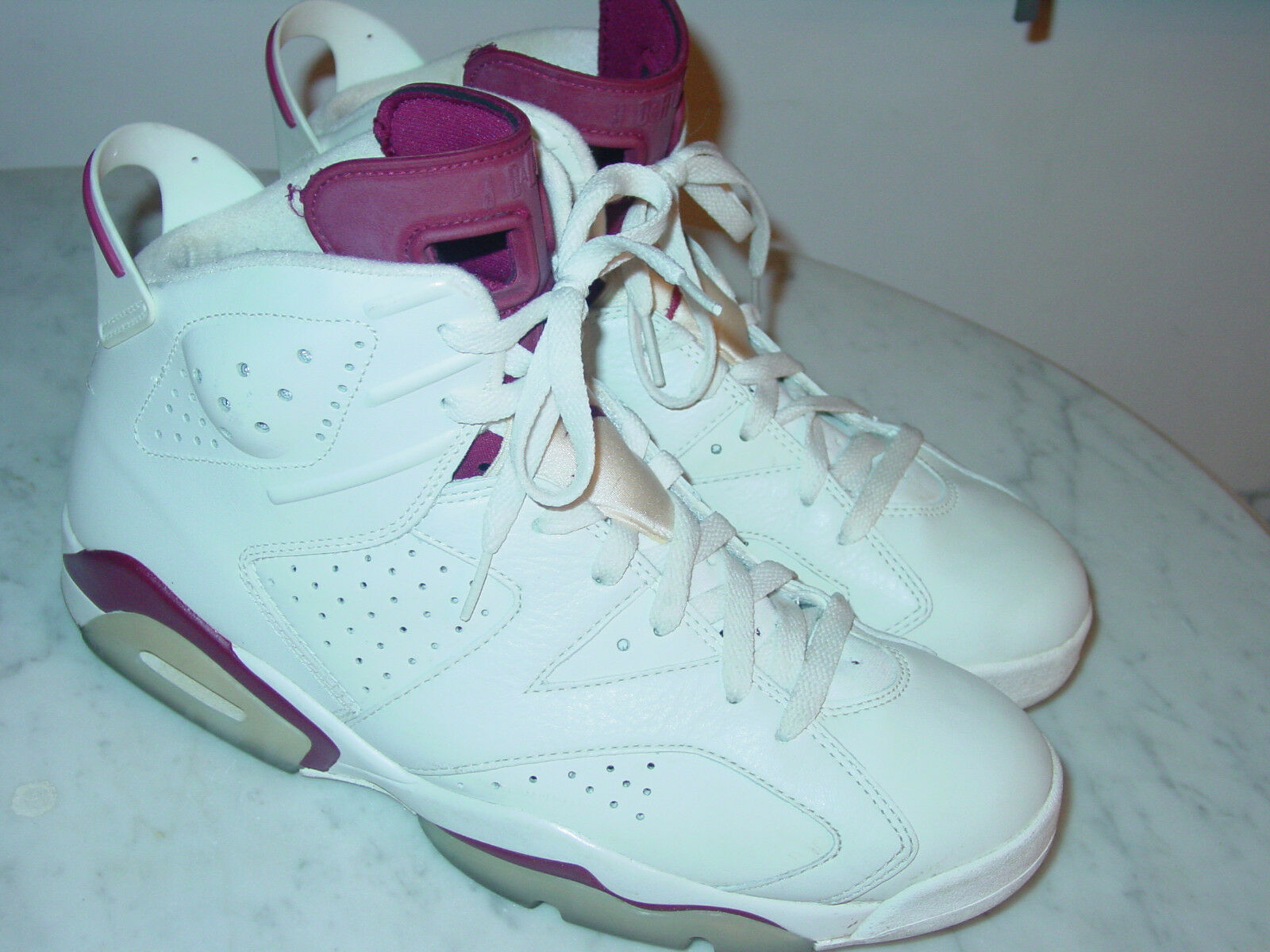 2015 Nike Air Jordan Retro 6  Maroon  Off White New Maroon shoes  Size 10.5