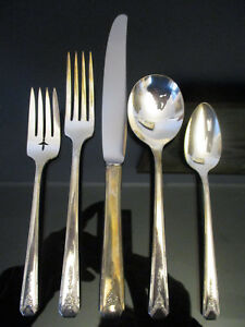 VINTAGE SILVER PLATE FLATWARE MILADY COMMUNITY PLATE 5 PC PLACE SETTING