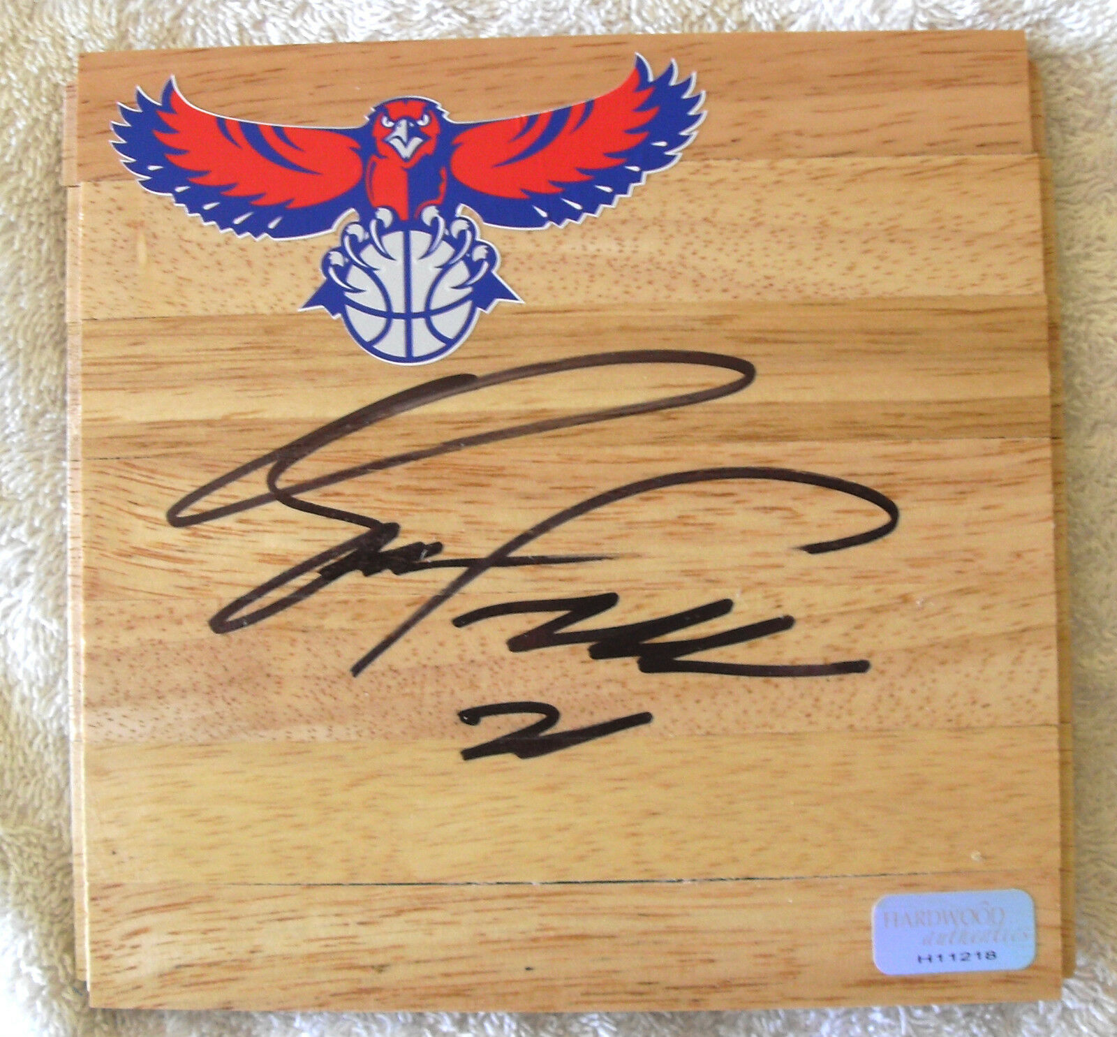 DOMINIQUE WILKINS ATLANTA SIGNED 6x6  FLOORBOARD COA PROOF PRIVATE SIGNING