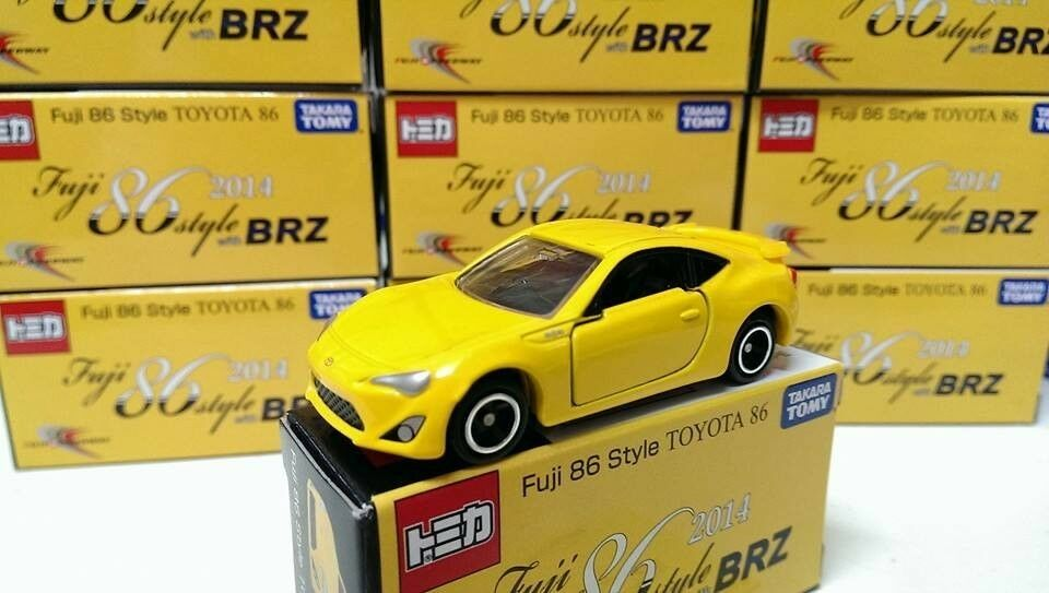 TOMY TOMICA FUJI SPEEDWAY SPECIAL EDITION FUJI 86 STYLE TOYOTA 86 (2014)