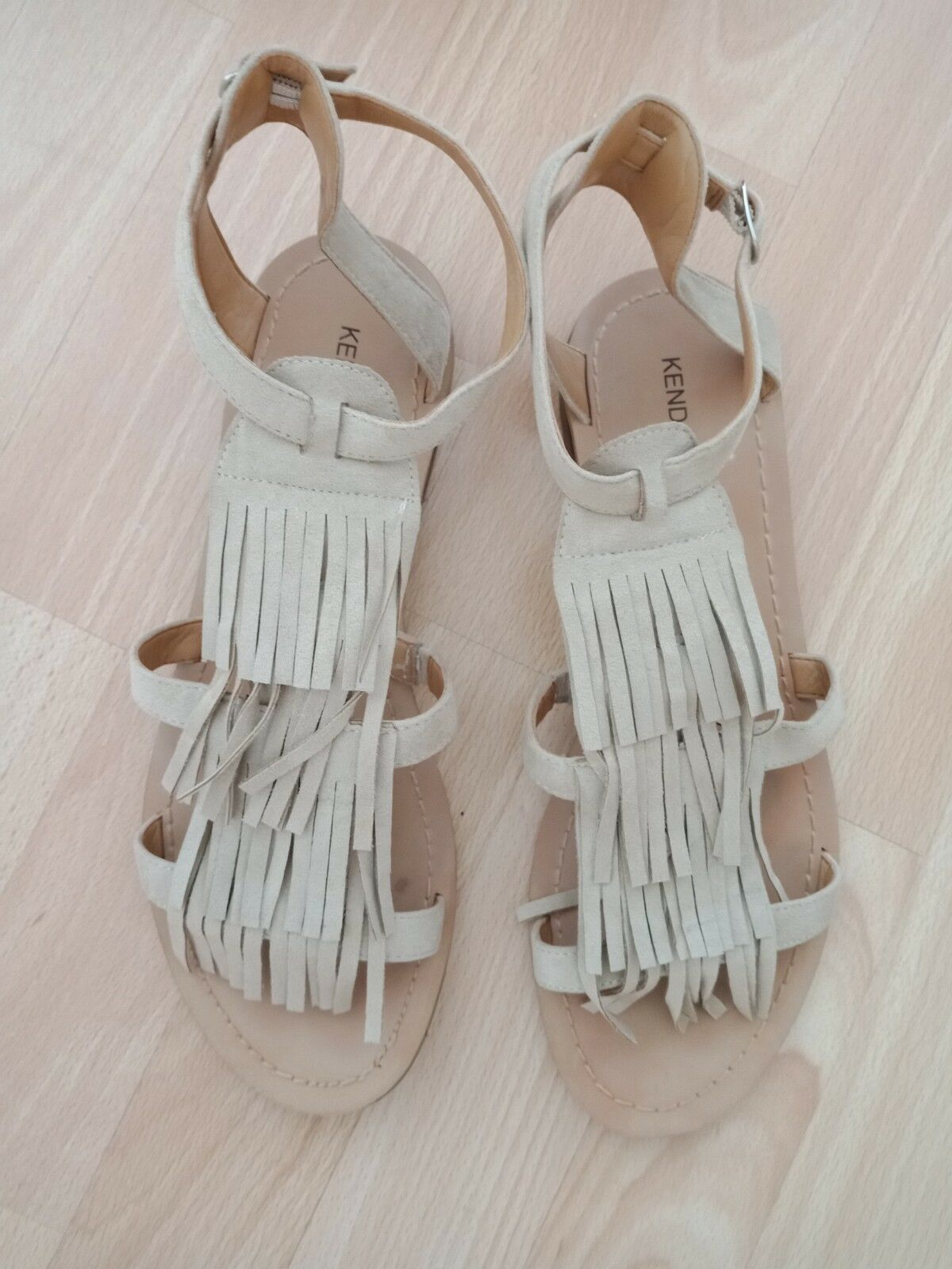 Man/Woman kendall Queensland kylie fringed Sandals size 39/6.5 Queensland kendall online shop Cost-effective ce1e41