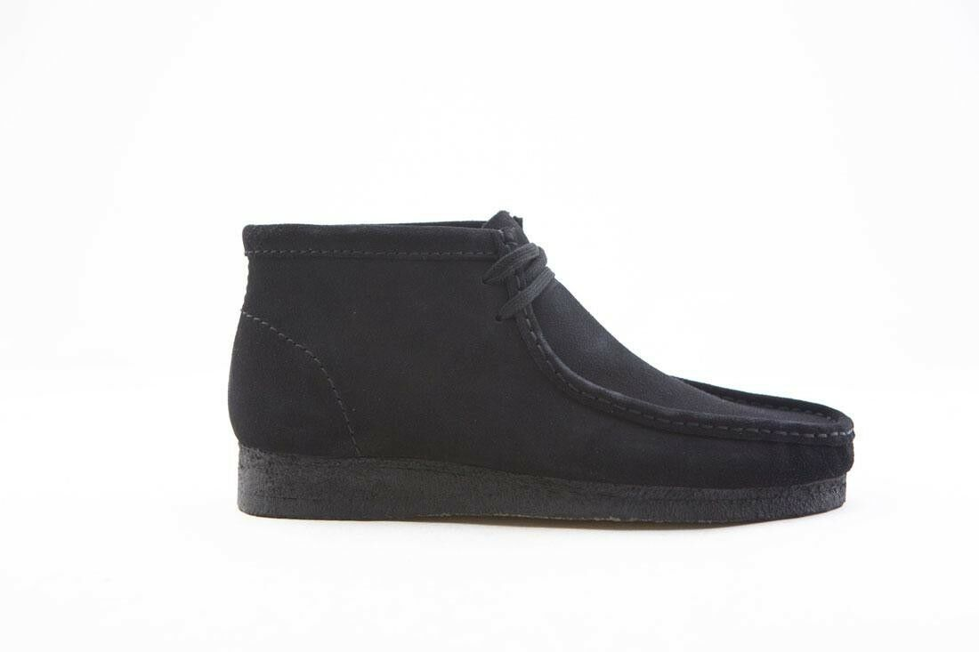 139.99 Clarks Men Wallabee Boot black suede 26133281