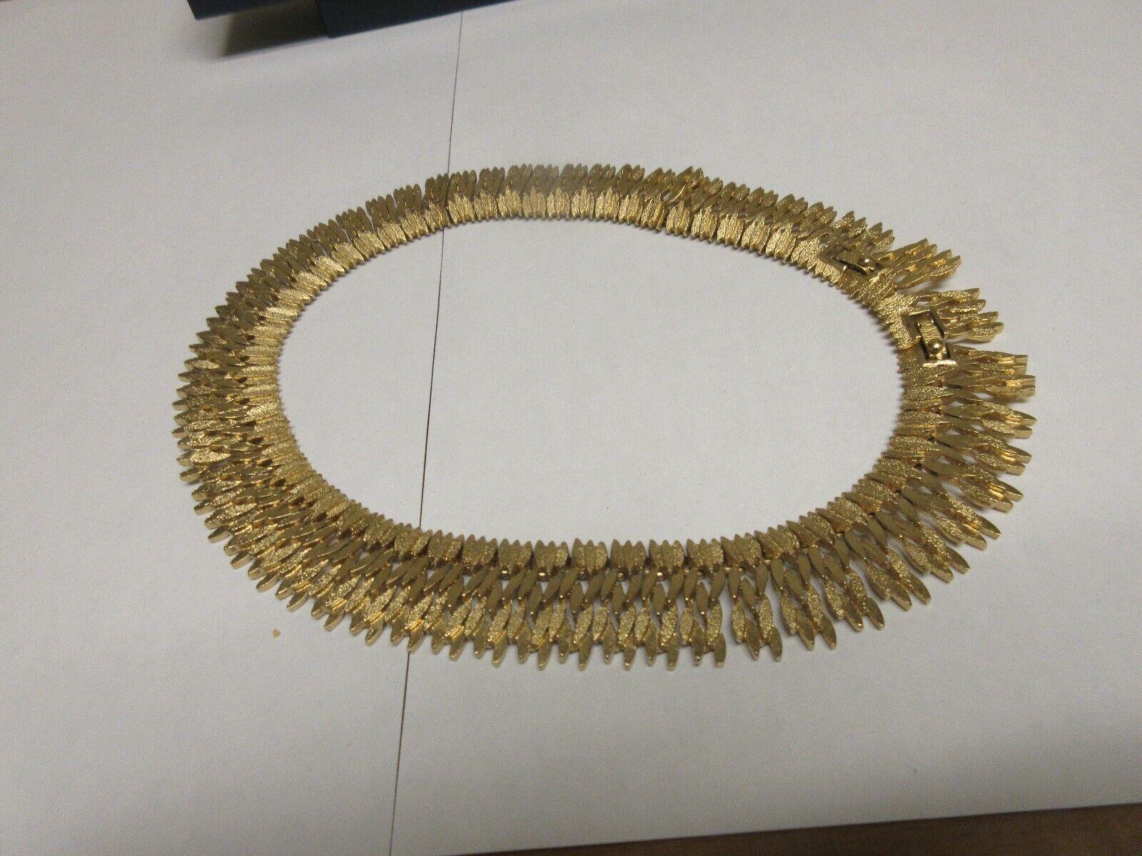 "Costume Jewelry ,Vintage , MONET , Necklace , 16"" , REP"