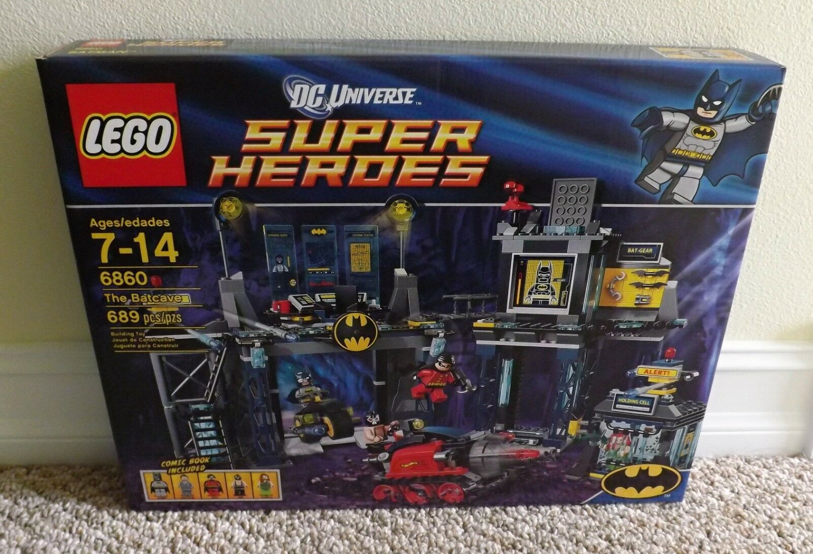 2012 LEGO NEW IN SEALED BOX SET 6860 THE BATCAVE DC UNIVERSE SUPER HEROES