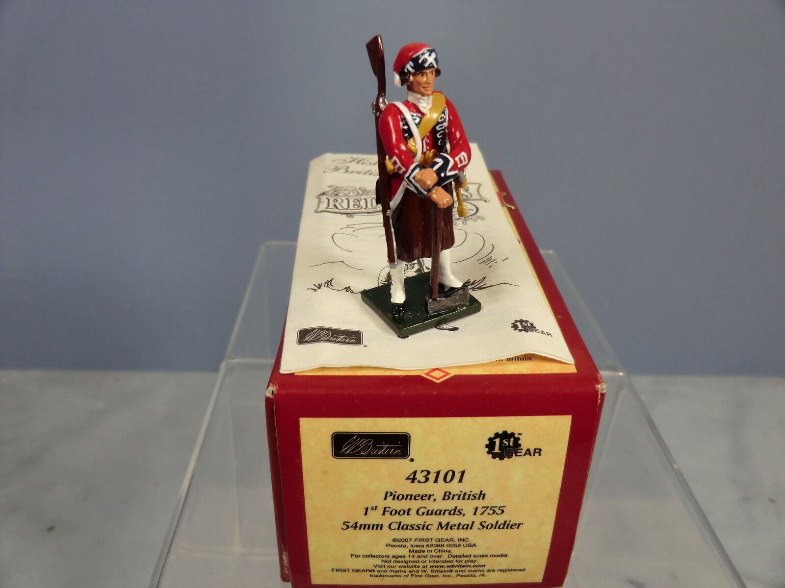 BRITAINS REDCOATS  No.43101 PIONEER, BRITISH 1st FOOT GUARDS, 1755  MIB