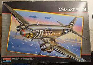 Monogram 5607 Douglas C-47 Skytrain 1:48 #1076
