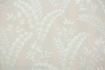 1930s Vintage Wallpaper Pale Pink and White Leaves and Ferns