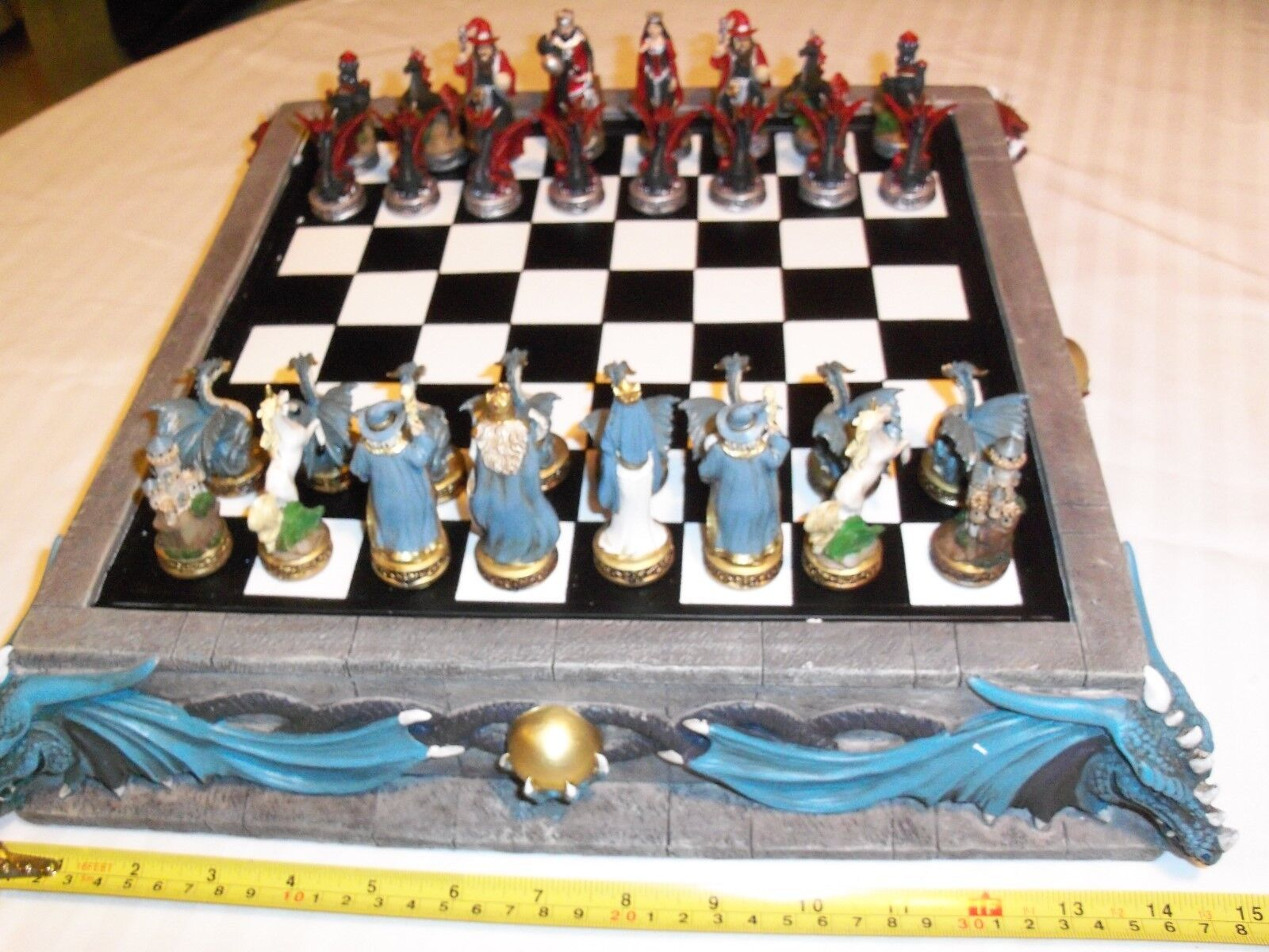 Dragon Chess Set tavola & Pieces NIB  Great Gift  tutti i beni sono speciali