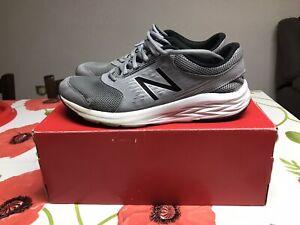 Dettagli su New Balance 411 Techride scarpe running uomo tg.44 UK9,5 grigie grey buono stato