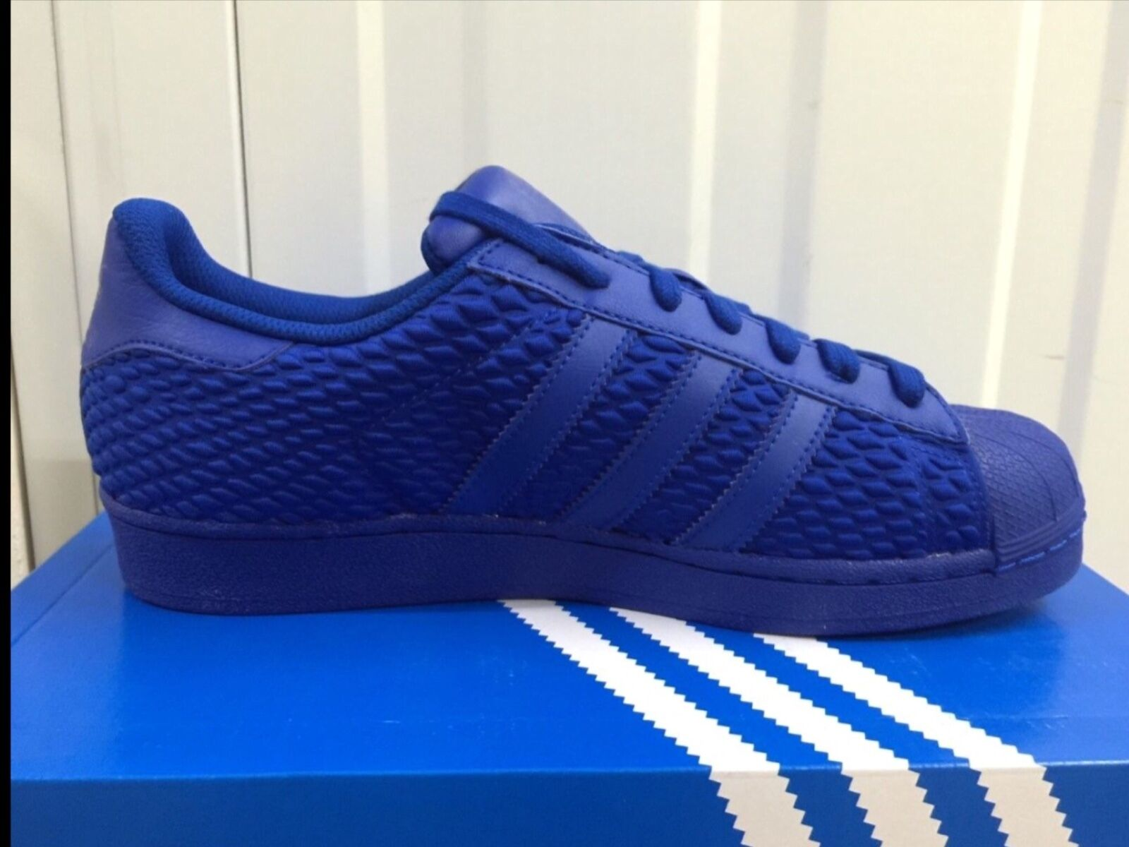 ADIDAS ORIGINAL SUPERSTARS  Herren AQ3050 UK 7 1/2 41 EU 41 1/2 1/3 TRAINERS Blau CROYAL a62fbe
