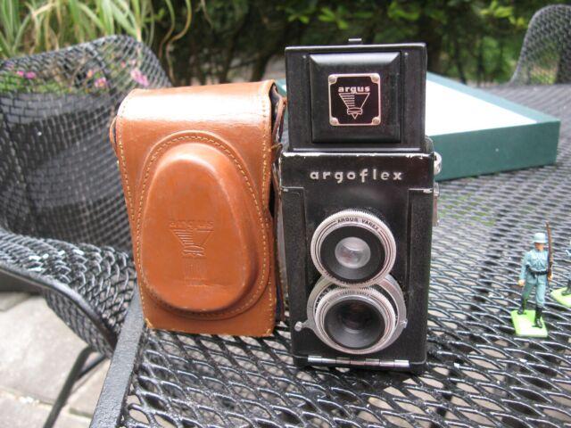 vintage ARGUS USA Argoflex 75mm 4.5 anastigmat varex TLR CAMERA