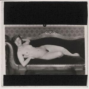 RARE-Original-1920s-reclining-nude-glass-positive-artistic