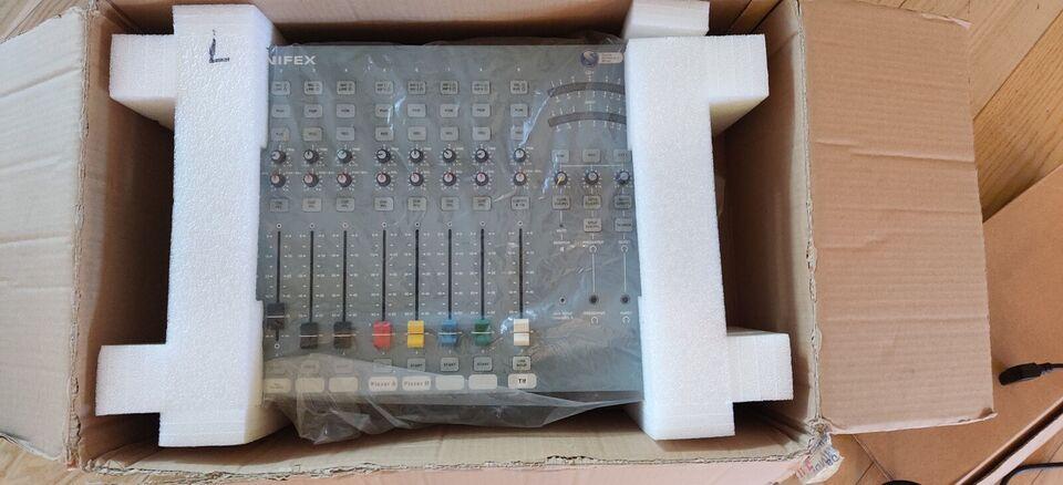 Digital/analog broadcast mixerpult, Sonifex S0