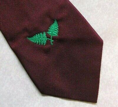 Buono Vintage Cravatta Da Uomo Cravatta Crested Club Associazione Società Foglia Di Felce Crest-mostra Il Titolo Originale