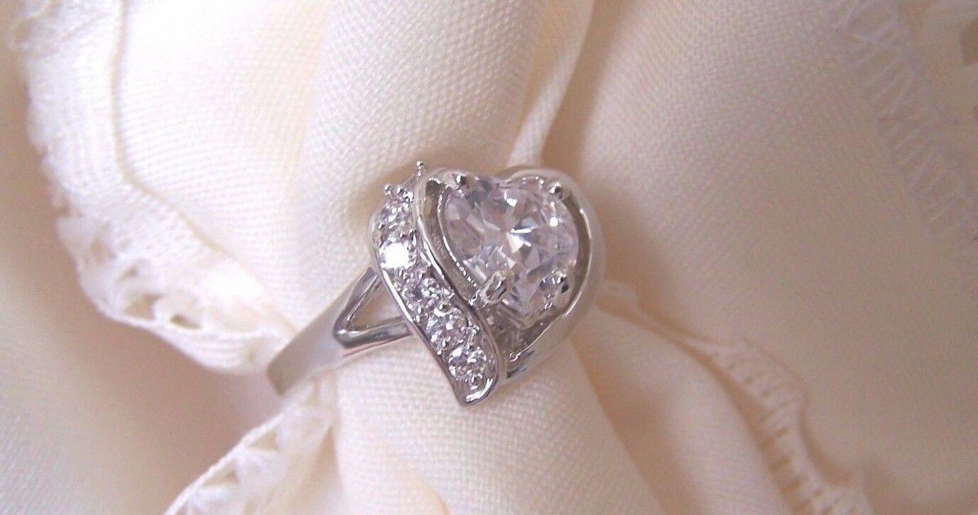 925  SS CZ Heart Shaped With Channel Setting  QUALITY RING    Size 8 Gorgeous