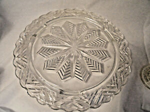 Crystal-Snowflake-Gllass-Cake-Plate-11-1-4-inches-wide