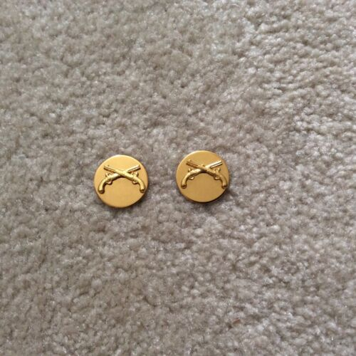 PAIR M.P. Military Police Enlisted man/'s collar insignia