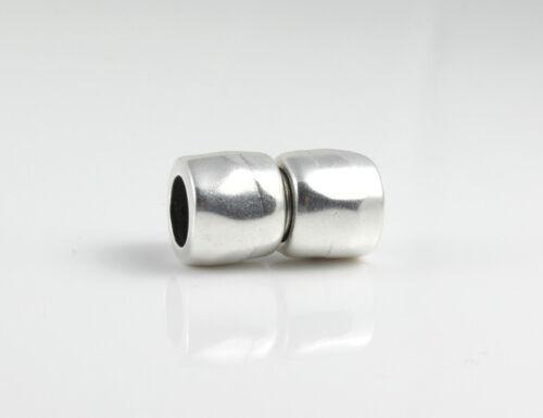 Zamak Magnetverschluss versilbert gehämmert Ø 10 mm EU-Ware 23x15 mm
