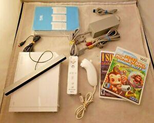 Nintendo Wii Console Bundle RVL-001 w Controller, Nunchuck, 2 Games, WORKS! W01