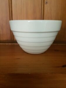 Vintage-Crown-Lynn-New-Zealand-Small-Beehive-Mixing-Bowl-EUC
