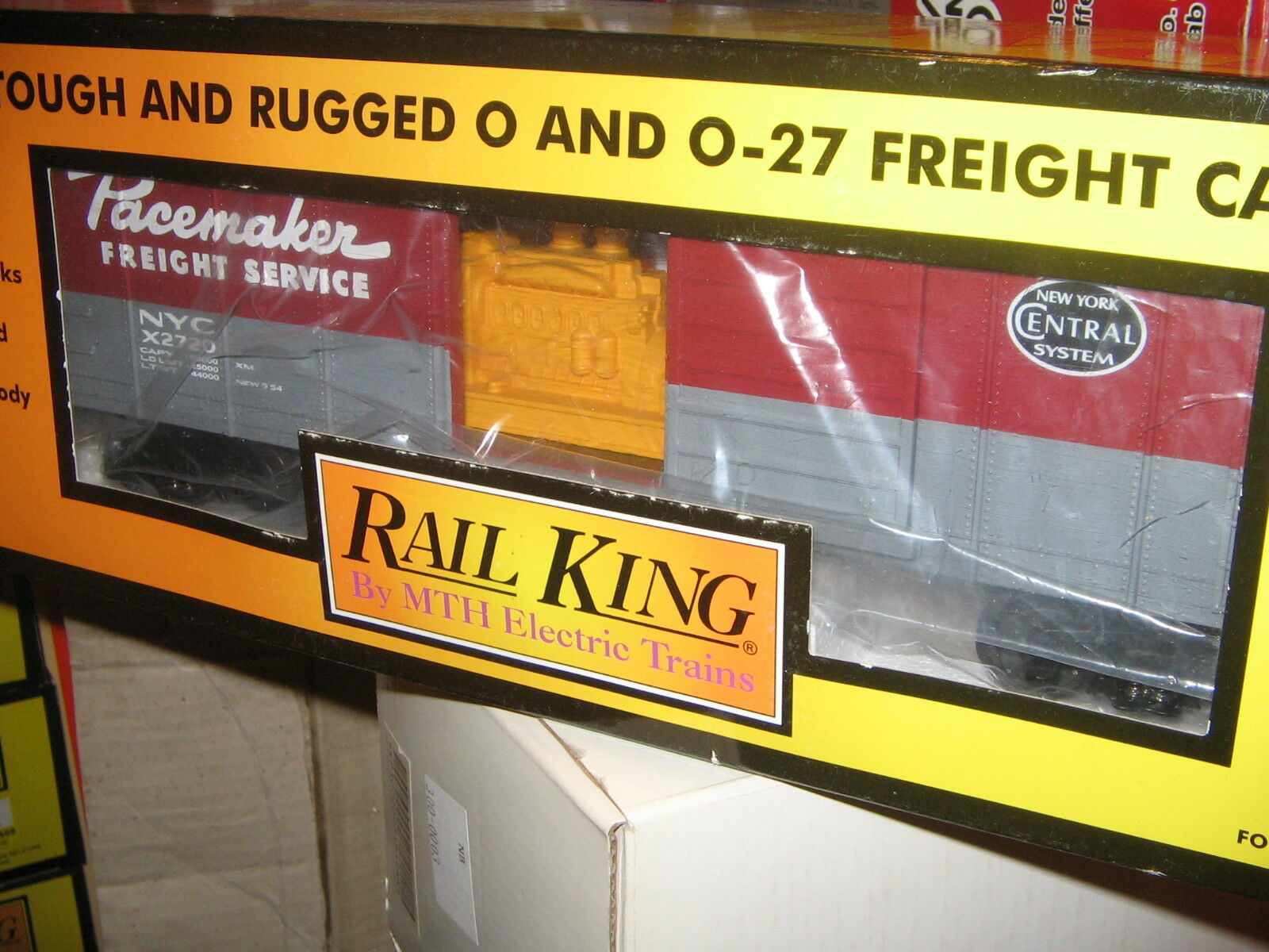 Rail King 30-74437 NYC Pacemaker Rounded Roof Boxcar w Generator 027-O Scale MIB