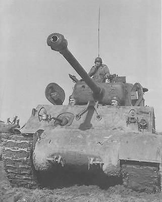 WW2 Photo WWII US Army M4A3 Sherman 76mm Gun