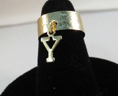 14KT GOLD EP  DANGLE INITIAL Y TOE RING IN A HAMMERED RING