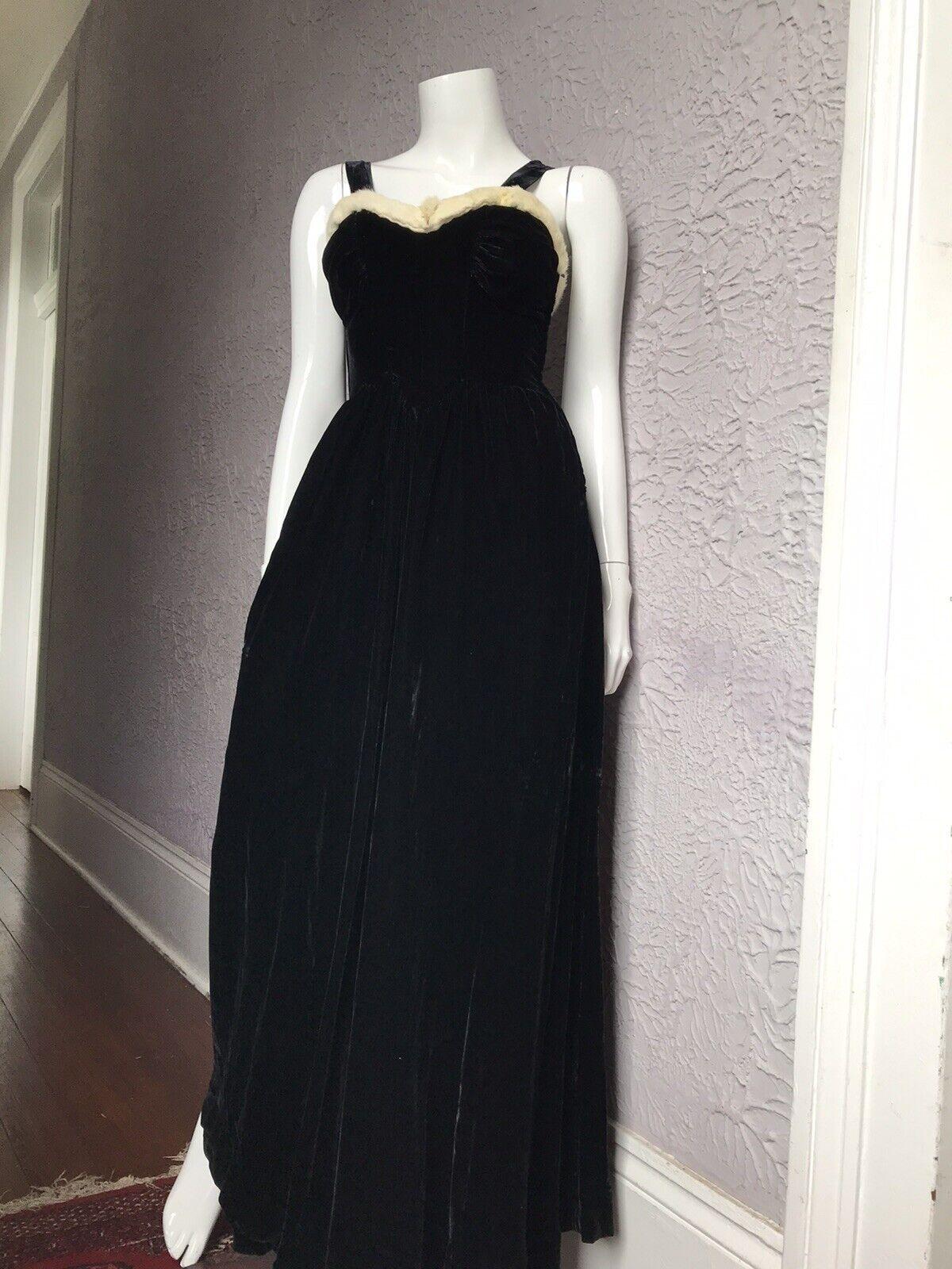 30's Vintage Silk Velvet Evening Gown Goth Vamp  … - image 1