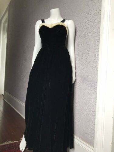 30's Vintage Silk Velvet Evening Gown Goth Vamp  F
