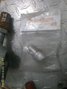 Trail-Gear-110136-1-Bung-RH-Threaded-Tube-Adapter-3-4-034-16-1-034-ID-110136-1-kit