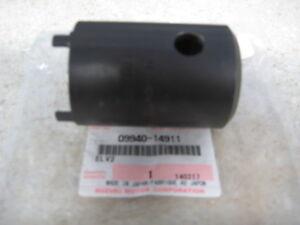GN250 Suzuki NOS DR100 Steering Stem Nut # 51631-28000   S-11 DS125 GSF400