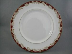Royal-Doulton-Winthrop-dinner-plate