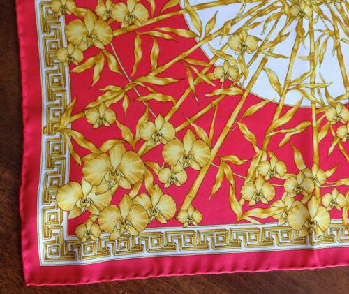 100Seta Pochette Versace Oro Foulard Medusa Giallo Fazzoletto Ricami Rosso 7fvyb6gY