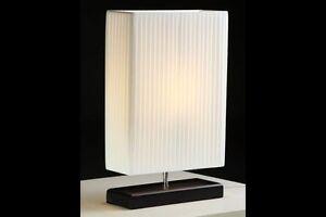 Tischlampe-Tischleuchte-Nachttischlampe-weiss-Art-Deco-Design-Latex-Plisee-NEU
