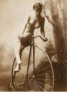 nude Vintage bicycle