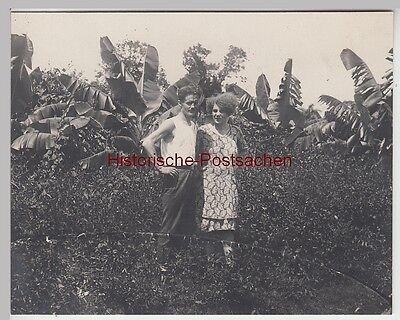 (f13152) Orig. Foto Junges Paar Vor Palmen, 1920er